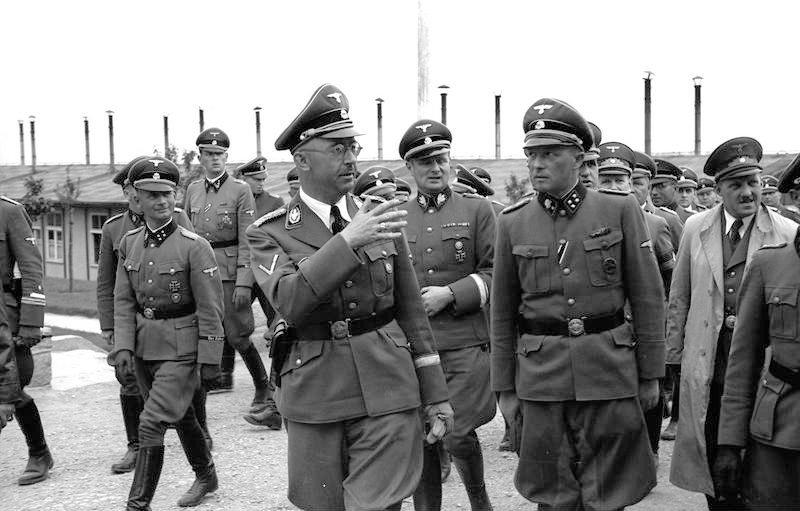 himmler 1941 a mauthausen Bundesarchiv_Bild_192-308_KZ-Mauthausen_Himmlervisitejpg