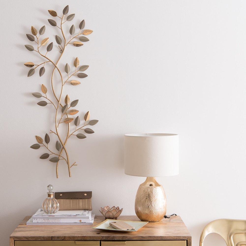 Idee-per-decorare-una-parete-con-un-elemento-3d-metallico-maison-du-mondejpg