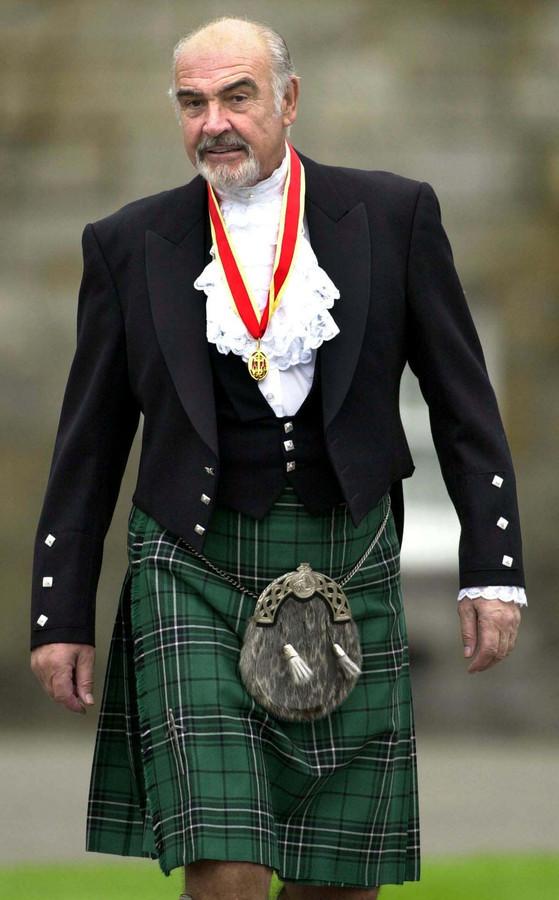 Fig-5-Sean-Connery-nel-classico-abito-scozzesejpg