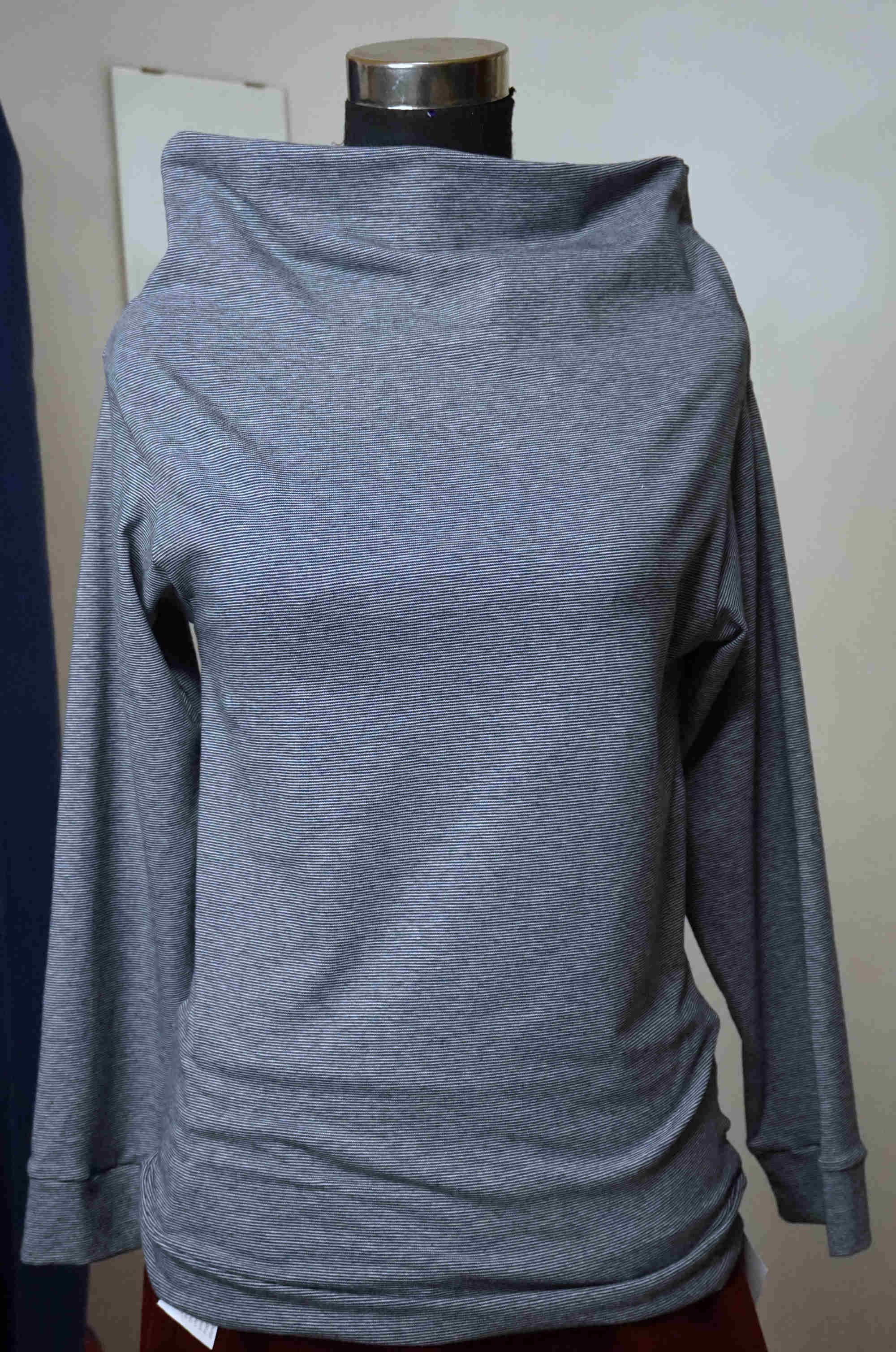 Boatneck sweater with long sleeves