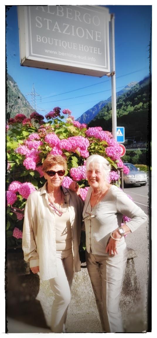 Silvia Seiler a destra con lamica Editta Dal Lagojpeg