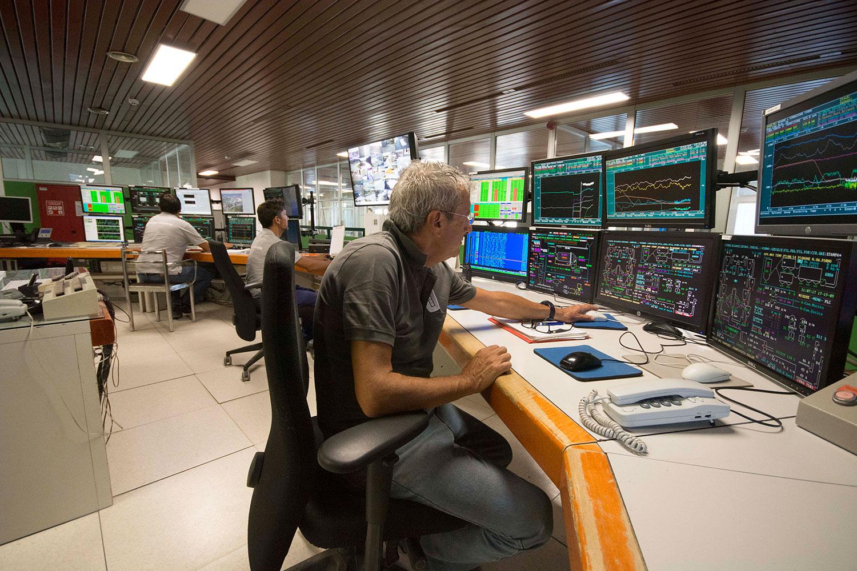 Foto-2--la-centrale-operativa-del-complesso-industrialejpg